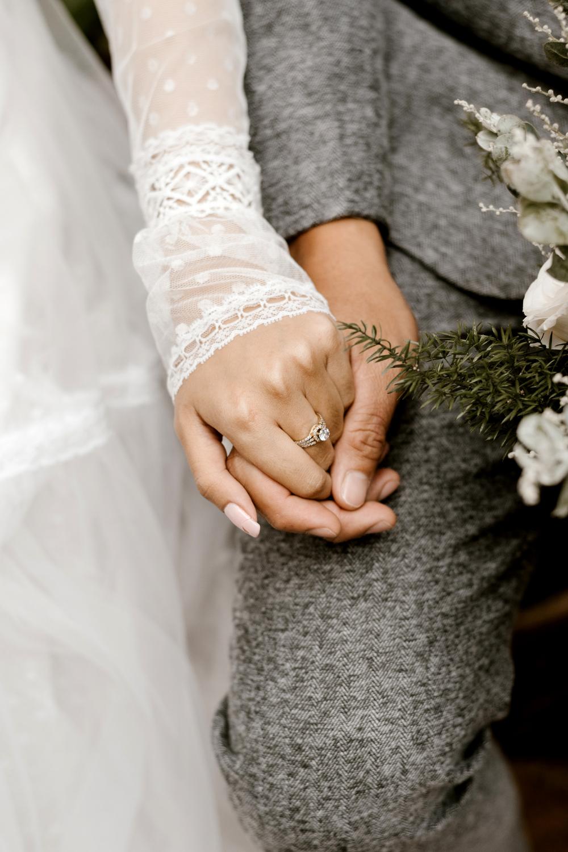 Encouraging your non-Christian husband through example